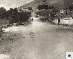 L'attuale Viale Cappuccini a San Giovanni Rotondo - In fondo si nota il convento.